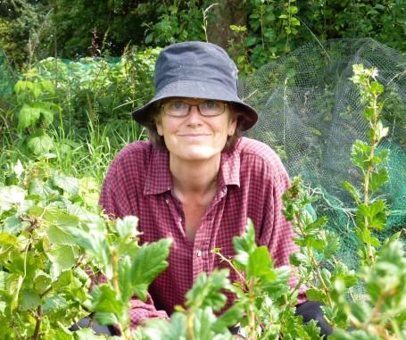 Pat in the gooseberry bush