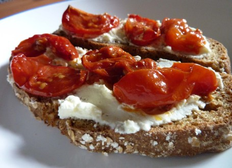 dinner_cheese and toms on soda bread