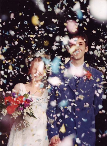 wedding_confetti picture