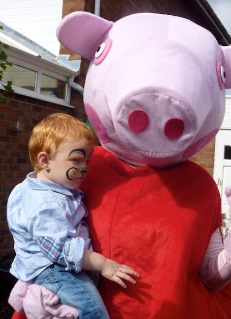 21-9-13 - Zac bday_Peppa Pig with Zac 2 4B