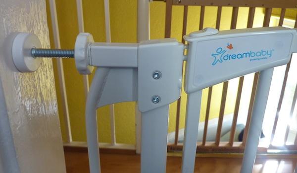 Good 17 10 13   Dreambaby Stairgate 4B