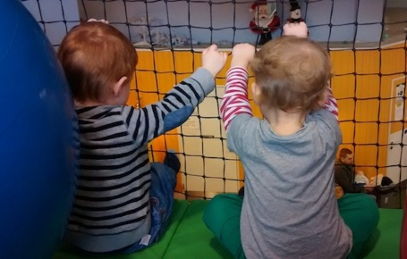 18-1-14 - E and Zac at Play Farm 4B