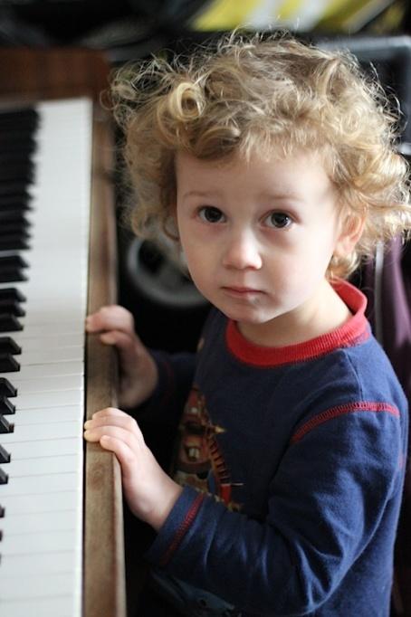 19-3-15 - piano boy 4B