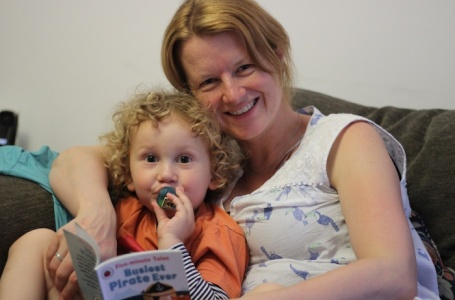 E and Mummy reading 4B