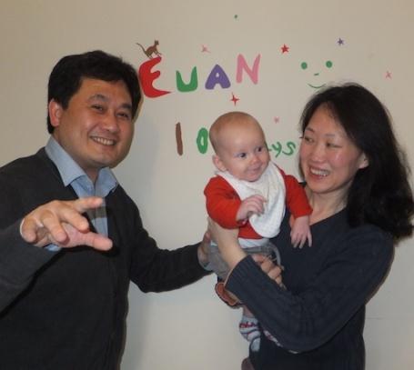 24-5-12 - Jason's 100 days photo with Euan 2 4B