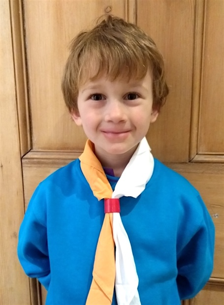 E in Beavers uniform Dec 2017.jpg