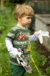 toddler weeding - nipitinthebud.co.uk
