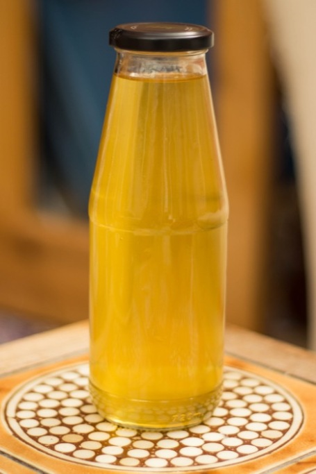 Elderflower cordial bottled - nipitinthebud.co.uk