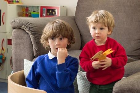 Telly watching brothers - nipitinthebud.co.uk