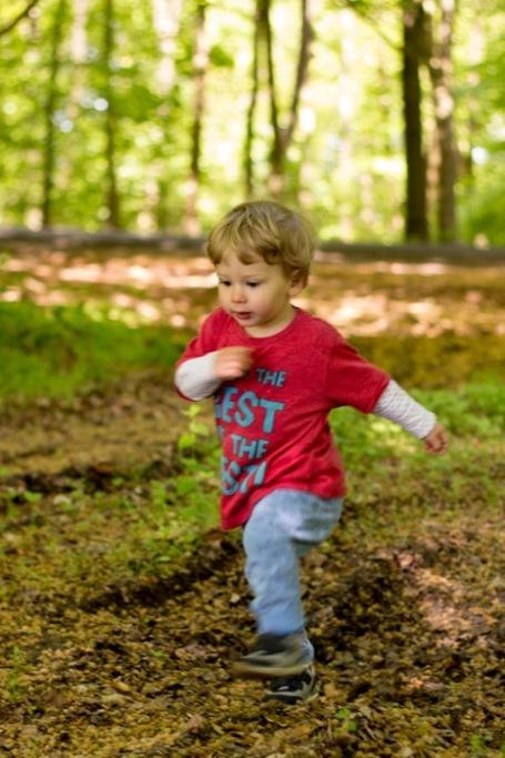 Cranham woods_running toddler - nipitinthebud.co.uk